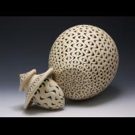 Ken Standhardt: Storage vessel, detail image with rattle lid