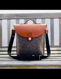 Audrey Jung: SideCar Bag (s)